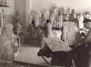 Daprato Studio artisans sculpting